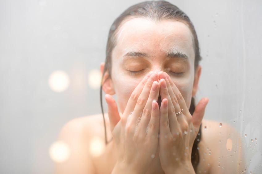 Le double nettoyage, la clé d'une peau saine et lumineuse